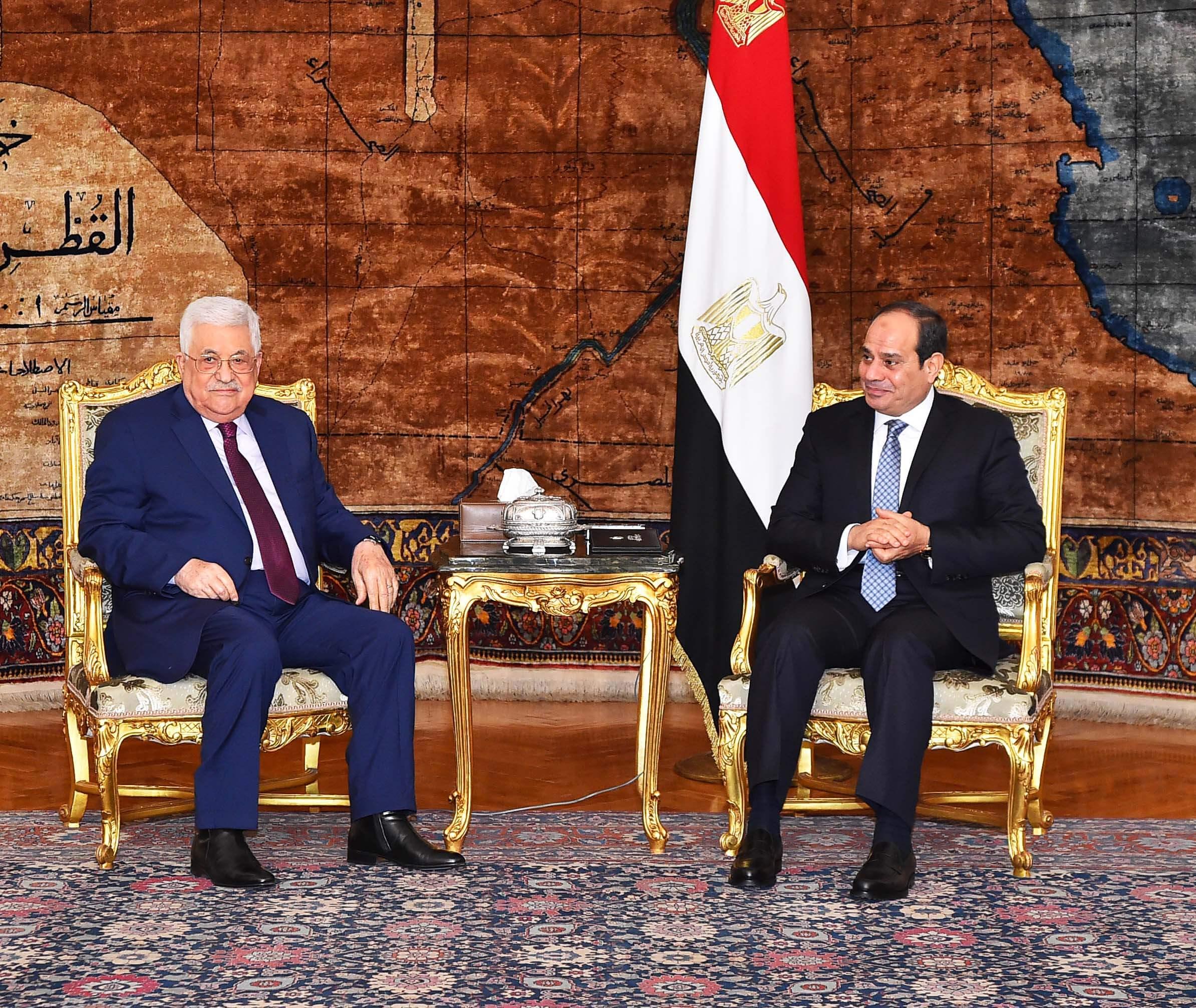 Photo of السيسي وعباس يؤكدان الحفاظ على فرص التوصل لتسوية نهائية للقضية الفلسطينية