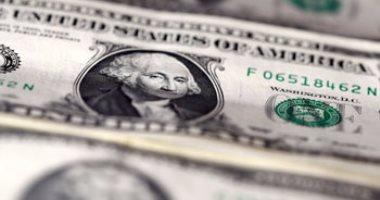 "Photo of ""العملة الخضراء"" ينخفض قرشين خلال تعاملات اليوم في البنوك المصرية"