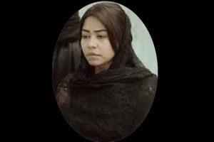عودة الفنانة شرين عبد الوهاب من المغرب لوفاة والدها