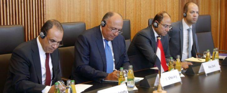شكري يبحث مع وزير الداخلية الألمانى مكافحة الإرهاب والهجرة غير الشرعية