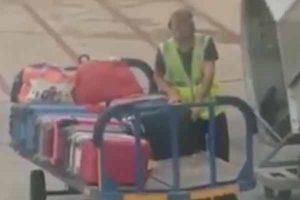 بالفيديو : سرقة حقائب الركاب فى احد المطارات الاسبانية
