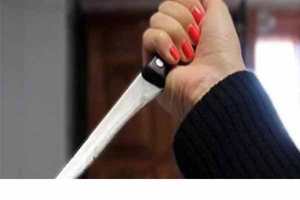 Photo of قتلته بغرفته.. القبض على زوجة تخون زوجها مع عمها في المرج