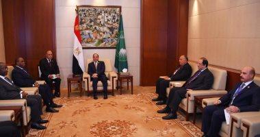 Photo of السيسي يبحث مع رئيس البنك الأفريقى سبل التعاون المشترك