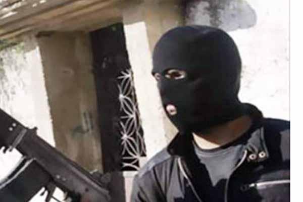 Photo of استشهاد ضابط شرطة فى تبادل لإطلاق النار مع مسلحين مجهولين بالنزهة الجديدة