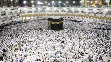 Photo of السعودية تمنح تصاريح أداء العمرة والصلاة في الحرمين على المحصنين بجرعتين لقاح كورونا