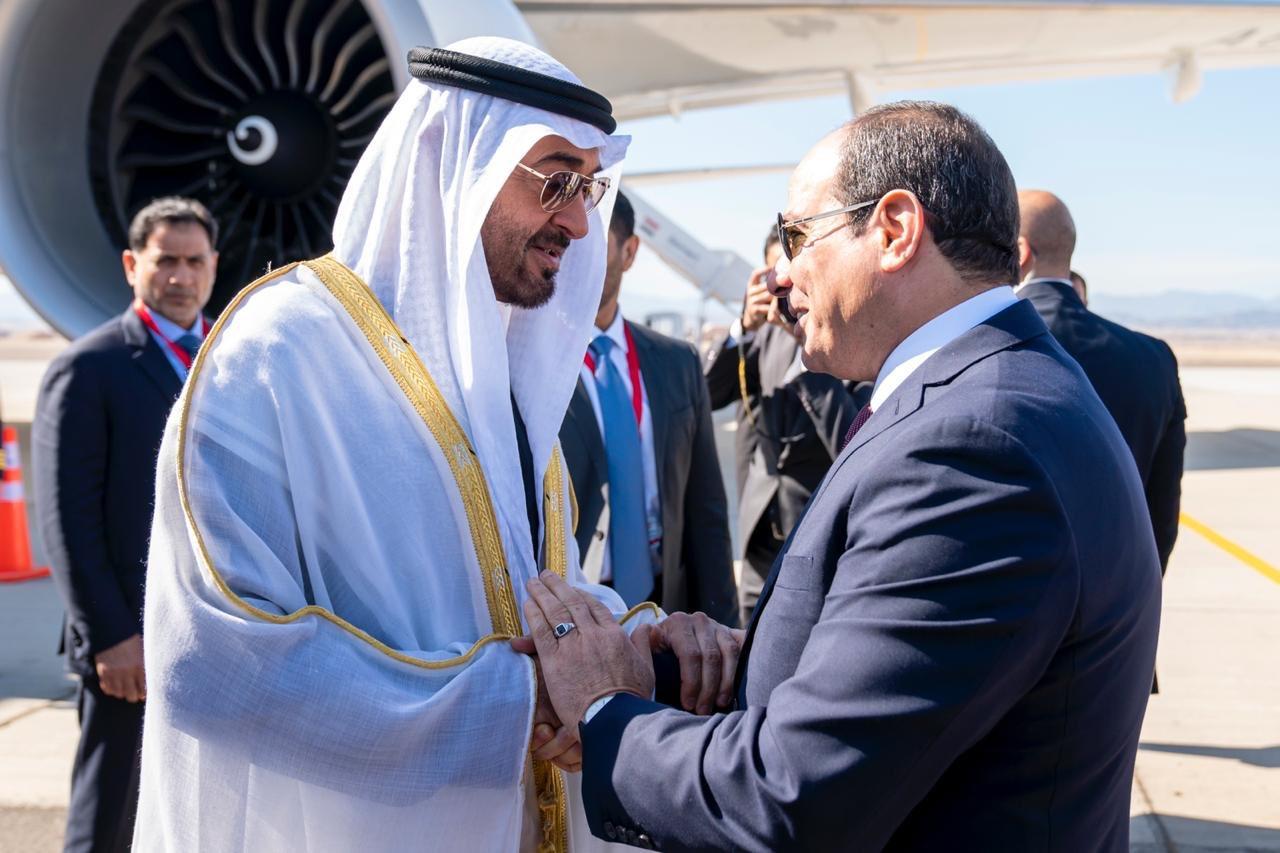 وصول الشيخ محمد بن زايد واستقبال الرئيس السيسي له