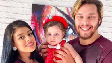 Photo of مفاجآة.. اليوتيوبرز أحمد حسن وزينب يربحون 6 ملايين دولار منذ ولادة ابنتهما «أيلين»