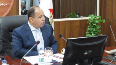 Photo of وزير المالية: تحويل ٢٨ ألف بطاقة حكومية إلكترونية إلى «ميزة» خلال أكتوبر