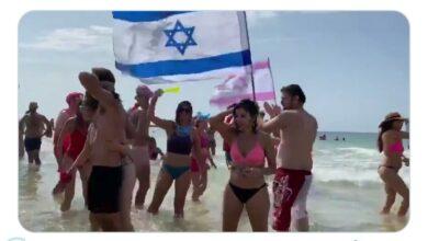 Photo of بالفيديو.. مظاهرات بـ«البيكيني» في إسرائيل للمطالبة برحيل نتنياهو