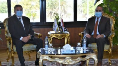 Photo of هشام توفيق يبحث ووزير الطيران المدني إقامة مشروع سياحي في مدينة شرم الشيخ