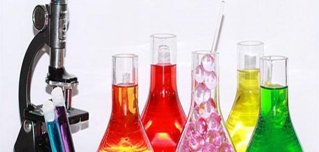 بحث عن العوامل المؤثرة في سرعة التفاعل الكيميائي
