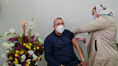 Photo of أستاذ الصحة العامة: لقاح كورونا فعال ولا يُسبب أعراضاً جانبية