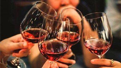 Photo of الخمر في المنام للعزباء وتفسيرات أبرز الأئمة والمفسرين