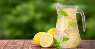 انتشر في الفترة الأخيرة، الحديث عن مشروبات الديتوكس ، وأهميتها في تنقية الجسم ومساعدته في التخلص من السموم، إضافة إلى أنها تساعد في زيادة معدل حرق الدهون