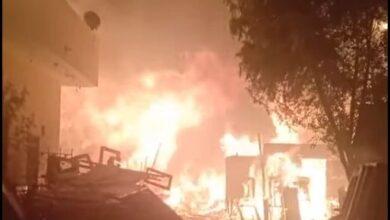 Photo of فيديو مرعب.. اندلاع حريق هائل في 12 محل لبيع الأخشاب في حي الشرابية بالقاهرة