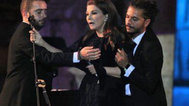Photo of بالفيديو.. سقوط ماجدة الرومي على خشبة المسرح في مهرجان جرش