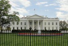 Photo of البيت الأبيض يعلق علي العطل المفاجئ الذي ضرب مواقع التواصل الإجتماعي