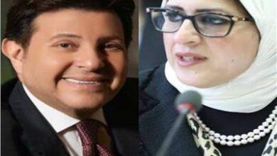 Photo of وزيرة الصحة تتعرض لوعكة صحية.. وهاني شاكر يعلق